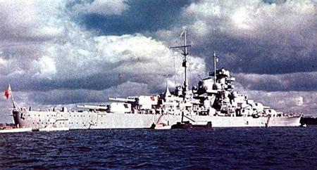 Les grands cuirassés de la WWII - Page 2 Bismarck